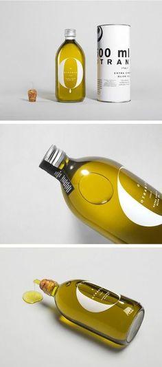 minimalistic packaging design   Tumblr Ist das Öl...schöne Flasche, fast zu schade zum verbrauchen!