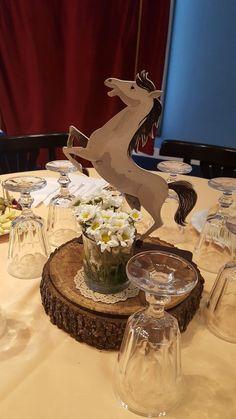 Ideas para decorar un cumpleaños de caballos | Guía para su decoracion, Hoy aprenderás las mejores Ideas para decorar un cumpleaños de caballos, Decoración de fiesta de caballos con globos, Como decorar un cumpleaños de caballos, Centros de mesa para fiesta de caballos, Pasteles de caballos para fiestas, Tarta de fondant para fiesta de caballos, Invitaciones para cumpleaños de caballos, Mesa de dulces para cumpleaños de caballos, Dulceros de caballos, Piñatas para fiesta de caballos… Horse Theme Birthday Party, Rodeo Birthday, Cowboy Theme Party, Cowboy Party Decorations, Cowboy Baby Shower, Wild West Party, Quinceanera Decorations, Diy, Cowboy Cakes