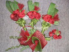 Bilderesultat for tressage phormium Boquette Wedding, Wedding Bouquets, Flower Bouquets, Flax Weaving, Flax Flowers, Rose Crafts, Flower Girl Headbands, Fabric Roses, Ribbon Work
