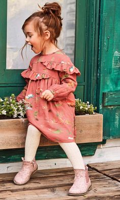 Must Have of the Day: The casual dresses for girls from NEXT company FW'18 collection Girls Casual Dresses, Little Girl Dresses, Winter Dresses For Girls, Little Girl Fashion, Toddler Fashion, Girls Fashion Kids, Fall Toddler Outfits, Children Outfits, Children Style