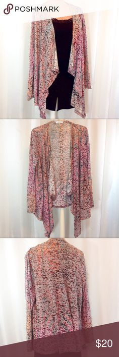 "Calvin Klein Dusty Rose Watercolor Print Kimono XL Excellent condition! EUC. Calvin Klein lightweight rose and wine watercolor print kimono. Open draping. Longer in front. Size XL. Length front 37"", back 27"".  Shoulders 16"" across flat.  🔹Please ask all your questions before you purchase!  🔹Sorry, no trades or holds. 🔹Please use Offer Button! 🔹Bundle for your best prices! Calvin Klein Sweaters Shrugs & Ponchos"