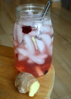Homemade Ginger Ale/ good girl moonshine/ ACV drink with ginger and berries - Colourfulpalate.com
