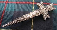 Килтпин в виде кельтского креста Kilt Pin, Clothes Hanger, Arrow Necklace, Jewelry, Fashion, Coat Hanger, Moda, Jewlery, Jewerly