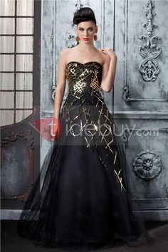 This Is definitely the dress I'm getting for prom, now just shoes and jewelry!!!