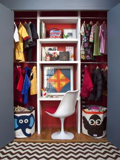 Small Space Decorating: Shared Kids' Room and Storage Ideas : Closet Workspace