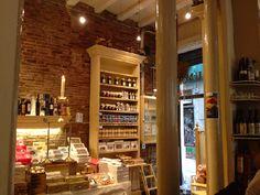 Caelum es una cafetería-pastelería de Barcelona, que ofrece dulces de convento. Postres monacales totalmente artesanos