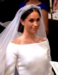 Meghan Prince Harry And Meghan, Duke And Duchess, Meghan Markle, Royals, Crown, Corona, Crowns, Royalty, Crown Royal Bags