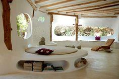 Una estética redonda, natural, sencilla para un salón.