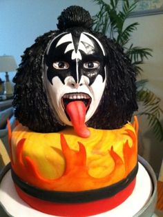 KISS Me! By ChrisJack1 on CakeCentral.com. This cake makes me LOL!!!!
