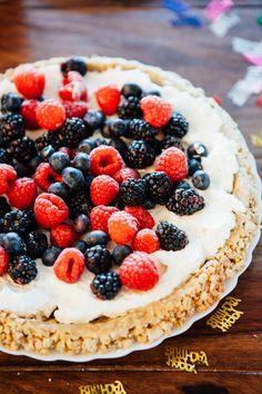 Food Humor, Funny Food, Eat Dessert First, Love Cake, Fruit Salad, Macarons, Acai Bowl, Vegan Recipes, Pie