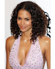Halle Berry Style, Halle Berry Hot, Halley Berry, Black Goddess, Celebs, Celebrities, Beautiful Black Women, Wedding Hairstyles, Natural Hair Styles