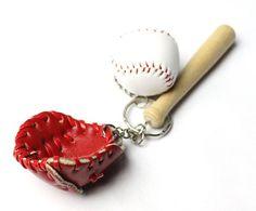 1pcs new mini Three-piece baseball glove wooden bat keychain sport keyring fans souvenir cheap novelty party gifts KC098