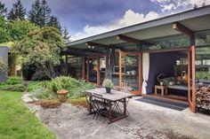 Bellevue home designed by Wendell Lovett in 1951 (mid centruy modern at its best!)
