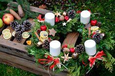 Christmas Eve, Christmas Wreaths, Xmas, Table Decorations, House Styles, Holiday Decor, Gifts, Diy, Home Decor