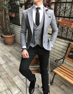 Terziademaltun - İtalyan stil slim fit ceket yelek pantolon açık gri kombin takım elbise T3072 Stylish Mens Fashion, Mens Fashion Suits, Mens Suits, Stylish Dresses, Fashion Dresses, Men's Fashion, Prom Tuxedo, Vogue Men, Men Formal
