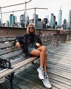 outfits new york & outfits new york ` outfits new york winter ` outfits new york invierno ` outfits new york summer ` outfits new york verano ` outfits new york otoño ` outfits new york spring ` outfits new york fall New York Outfits, New York Pictures, New York Photos, Travel Outfit Summer, Summer Outfits, Winter Outfits, New York Sommer, Nyc Pics, Teresa