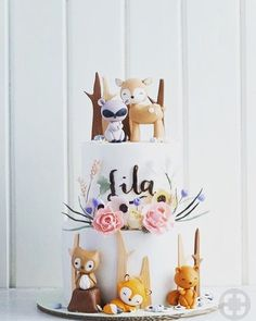 These trendy woodland baby shower ideas are so cute, every forest friend will want to be invited. Baby Shower Niño, Baby Girl Shower Themes, Baby Shower Cakes, Baby Shower Gifts, Woodsy Baby Showers, Excited Baby, Woodland Baby, Woodland Theme, Animal Birthday