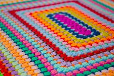 I found a true color bomb for you in one place. This blanket is ideally