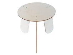 Tavolino da caffè tondo in legno di LOHN_Little Objects for Huge Needs su DaWanda.com