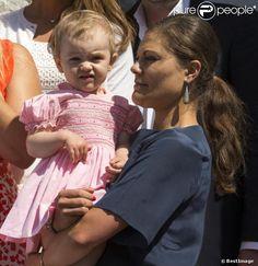 princesse Estelle de suède et sa maman été 2013