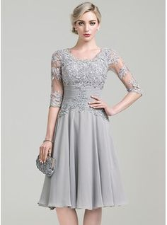 A-Line/Princess Scoop Neck Knee-Length Chiffon Cocktail Dress With Ruffle Appliques Lace (016111351)