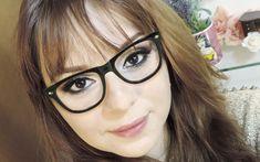 Maquiagem tem que ser para TODAS! E os óculos não devem JAMAIS ser empecilho para você arrasar com uma make incrível. Por isso fiz esse post com dicas e inspirações para você divar! Vem conferir!