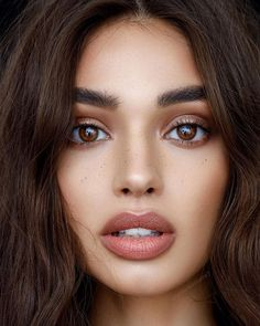 Eileen Peg maquillage et cheveux - Make-up Natural Summer Makeup, Natural Makeup Looks, Natural Beauty, Simple Makeup, Natural Brows, Natural Makeup Products, Types Of Makeup Looks, Natural School Makeup, Natural Makeup For Brown Eyes