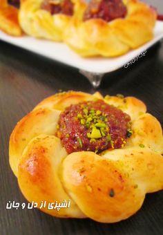 آشپزی از دل و جان: نان گل خرمایی