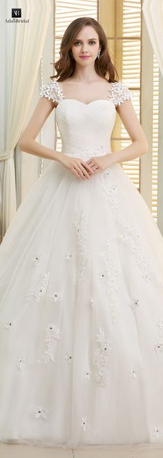 Glamorous tulle sweetheart neckline ball gown wedding dresses with lace appliques(WWD25750)