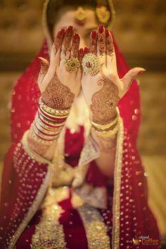 Gorgeous bridal mehendi or henna designs. Bridal Mehndi Designs, Bridal Henna, Indian Bridal, Mehandi Designs, Wedding Henna, Desi Wedding, Wedding Bride, Wedding Stuff, Desi Bride