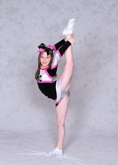son-naked-real-cheerleader-crotch-shots