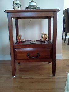 Table en bois $50