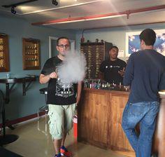 Krasser Dampf aus dem Tröpfler... Dr. Liquid zu Gast bei Vapor Den in San Francisco