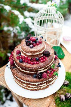 Photo: VanessaBadura, Baking: coucoubonheur, Berry Winter Naked Cake