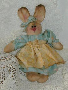 Itty Bit A Primitive Bunny by ButtonsInTheAttic on Etsy, $9.95