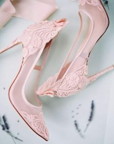 Could never wear these but I love them all the same 💕💓 Bridal Shoes, Wedding Shoes, Lace Wedding, Church Wedding, Wedding Bride, Lace Pumps, Pumps Heels, High Heels, Pink Pumps