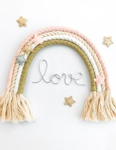 Discover recipes, home ideas, style inspiration and other ideas to try. Cute Crafts, Diy And Crafts, Macrame Wall Hanging Diy, Love Decorations, Deco Kids, Rainbow Crafts, Macrame Design, Macrame Projects, Macrame Patterns