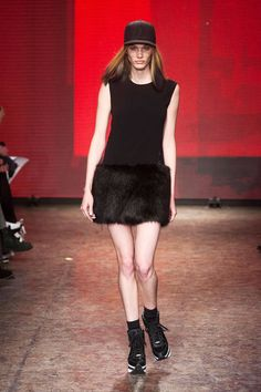 DKNY Fall 2014 Ready-to-Wear Runway - DKNY Ready-to-Wear Collection