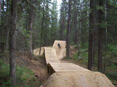Mountainbike bikepark wallride obstacle