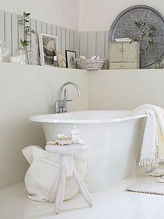 tranquil spa like bathroom Bathroom Vanity Decor, Spa Like Bathroom, Nautical Bathrooms, Chic Bathrooms, Bathroom Styling, White Bathroom, Bathroom Interior, Design Bathroom, Master Bathroom