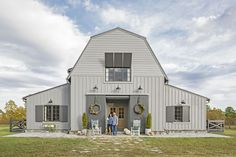 Step inside this Mississippi barn for modern decorating ideas, living room decorating ideas, rustic decorating ideas, and more. Pinning this to our 'Dream House' board ASAP. Metal Barn Homes, Metal Building Homes, Pole Barn Homes, Building A House, Pole Barns, Building Ideas, Modern Barn, Modern Farmhouse, Farmhouse Style