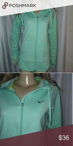 Nike Therma fit Dri-Fit hood small drinking glove , brand new Nike Dri-FIT mint green Therma fit size medium excellent. Drinking Glove thumb holes. Perfect Night time Color. Nike Tops Sweatshirts & Hoodies