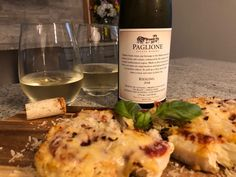 Paglione Estate Winery 2018 Riesling with Cauliflower Parmesan. - Essex County Wineries & Breweries A Perfect Pair! 🤗 Just one Riesling to visit Paglione Winery! Rain or shine, pop in and check out the new menu! Essex County, Complete Recipe, New Menu, Marinara Sauce, Wineries, Brewery, Parmesan, Cauliflower, Delish