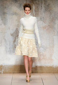 Laura Biagiotti at Milan Fashion Week Fall 2017 - Runway Photos Fashion 2017, Runway Fashion, Fashion Show, Womens Fashion, Fashion Design, Fashion Trends, Laura Biagiotti, Style Couture, Couture Fashion