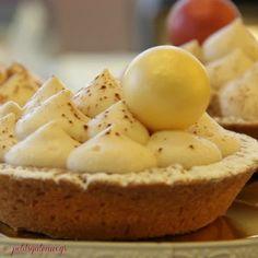 Γιορτινές τάρτες με mousse σοκολάτας και κάστανου!  Διαθέσιμες κατόπιν παραγγελίας. Cupcake Shops, Cake Pops, Camembert Cheese, Tart, Bakery, Sweets, Cookies, Breakfast, Christmas