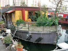 houseboat apartments  Woonboot in landelijk Noord Amsterdam ... € 130,00. per nacht voor 2 pers.    apartments-houseboats-amsterdam.com