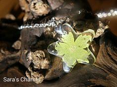 Silberkette grüne Sternblüte Gießharz  von Sara´s Charms auf DaWanda.com