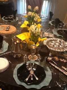 pesach tablescape, passover table, table setting,
