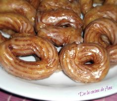 Rosquillas de San Froilán Spanish Food, Beignets, Smell Good, Bite Size, No Cook Meals, Donuts, Sausage, Sweets, Bread
