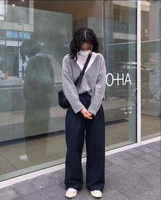 Korean Girl Fashion, Korean Street Fashion, Look Fashion, Korean Fashion Minimal, Teen Fashion Outfits, Retro Outfits, Cute Casual Outfits, Mode Ootd, Looks Street Style